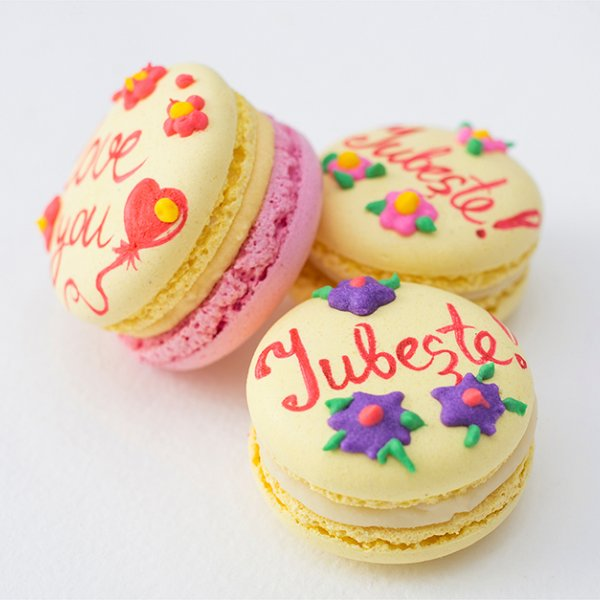 Macarons Love You