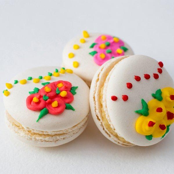 Macarons cu flori mici