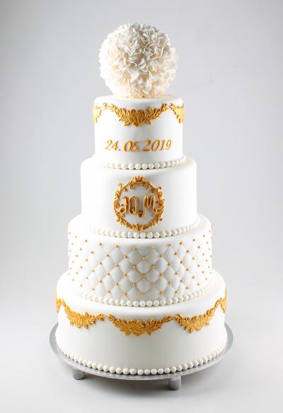 Tort de nuntă în stil clasic