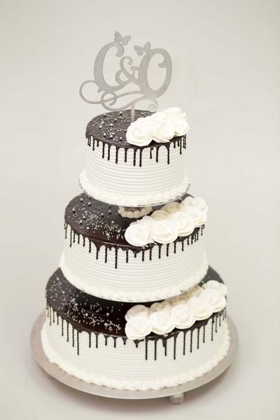 Tort cu topper pentru nunta