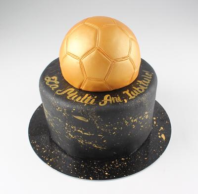 Tort cu minge de fotbal