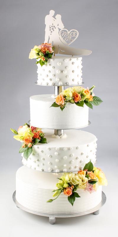 Tort de nunta cu topper și flori vii