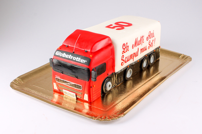 Tort în forma de camion