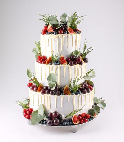 Tort de nuntă cu fructe