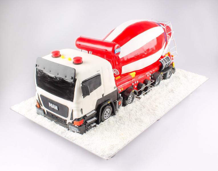 Tort camion cu cisterna